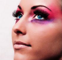 Цветовое решение для легкого макияжа зеленых глаз