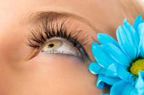 Пример правильного макияжа для маленьких глаз