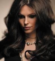 Прическа для длинных волос локонами