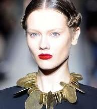 Экстравагантны макияж для узкого лица
