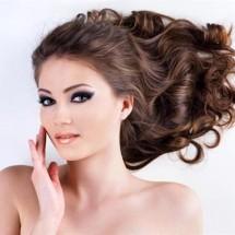 Красивые длинные здоровые волосы