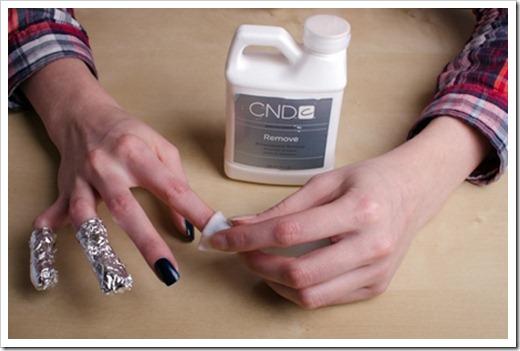 Размягчение и удаление нарощенных ногтей
