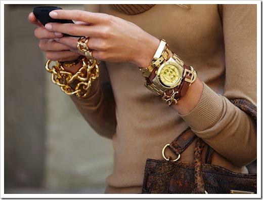 Как следует выбирать часы женщине?
