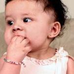 Какие серьги лучше для ребёнка