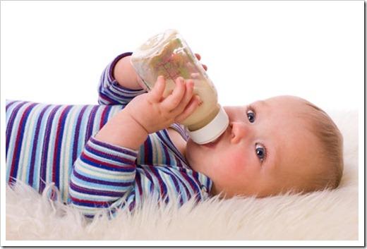 Простые советы, которые позволят отучить ребёнка от бутылочки