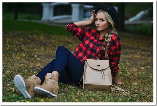 Обувь в сочетании с рюкзаком