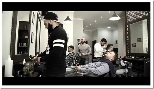 Собственному парикмахеру/брадобрею необходимо доверять