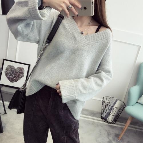 девушка в пуловере