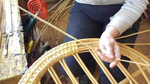 изготовление плетенной мебели
