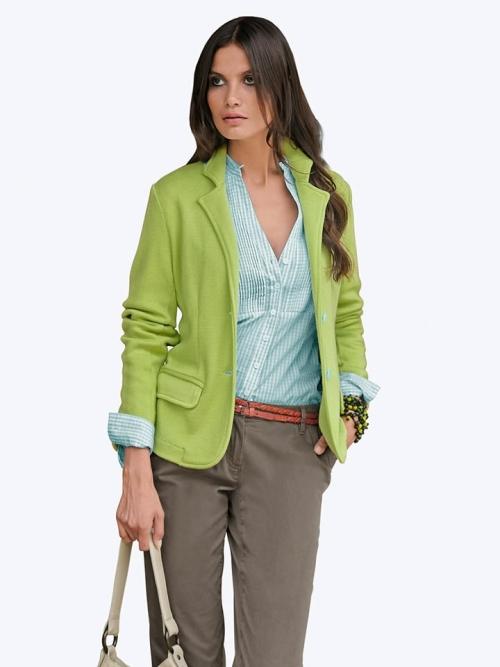 С чем носить трикотажные женские пиджаки